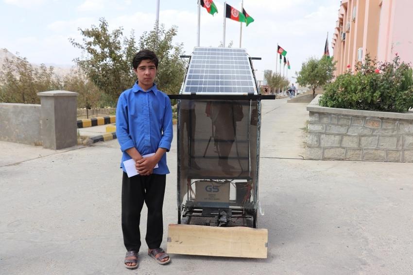 ساخت یک ماشین برفپاکی توسط یک نوجوان در مرکز دایکندی